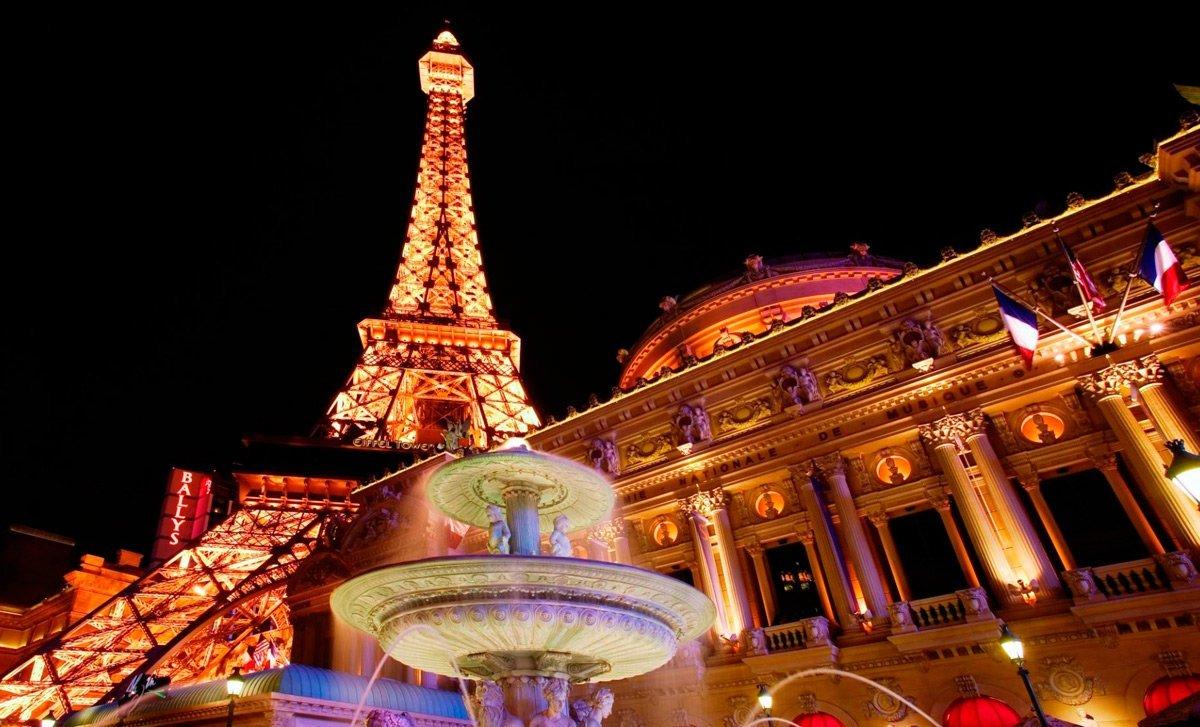что посмотреть в париже весной - Эйфелева башня