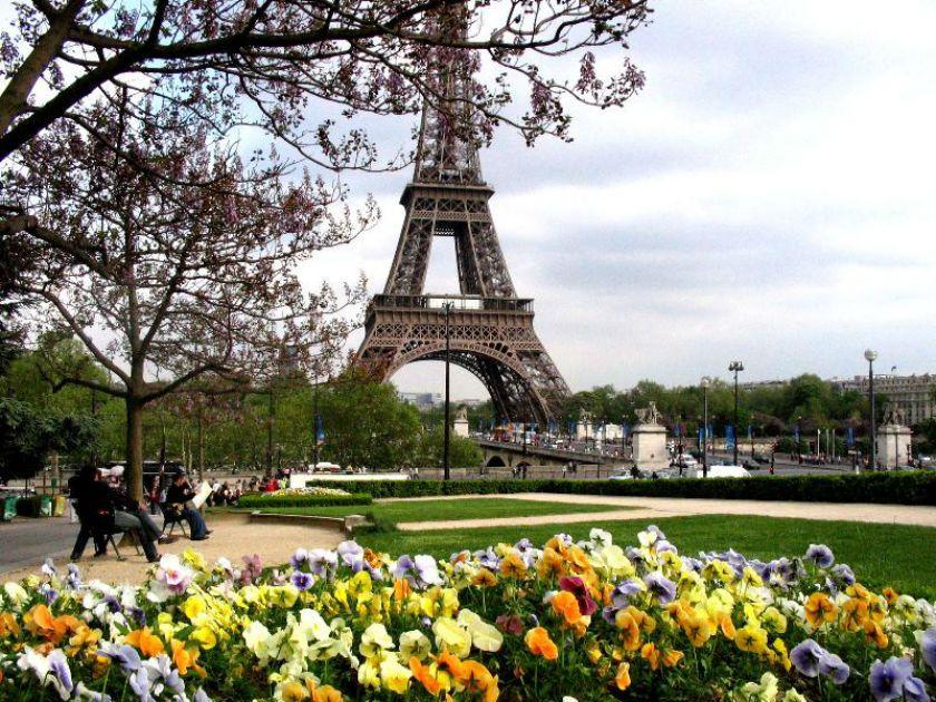 весенний Париж фото