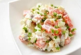 диетический салат с семгой