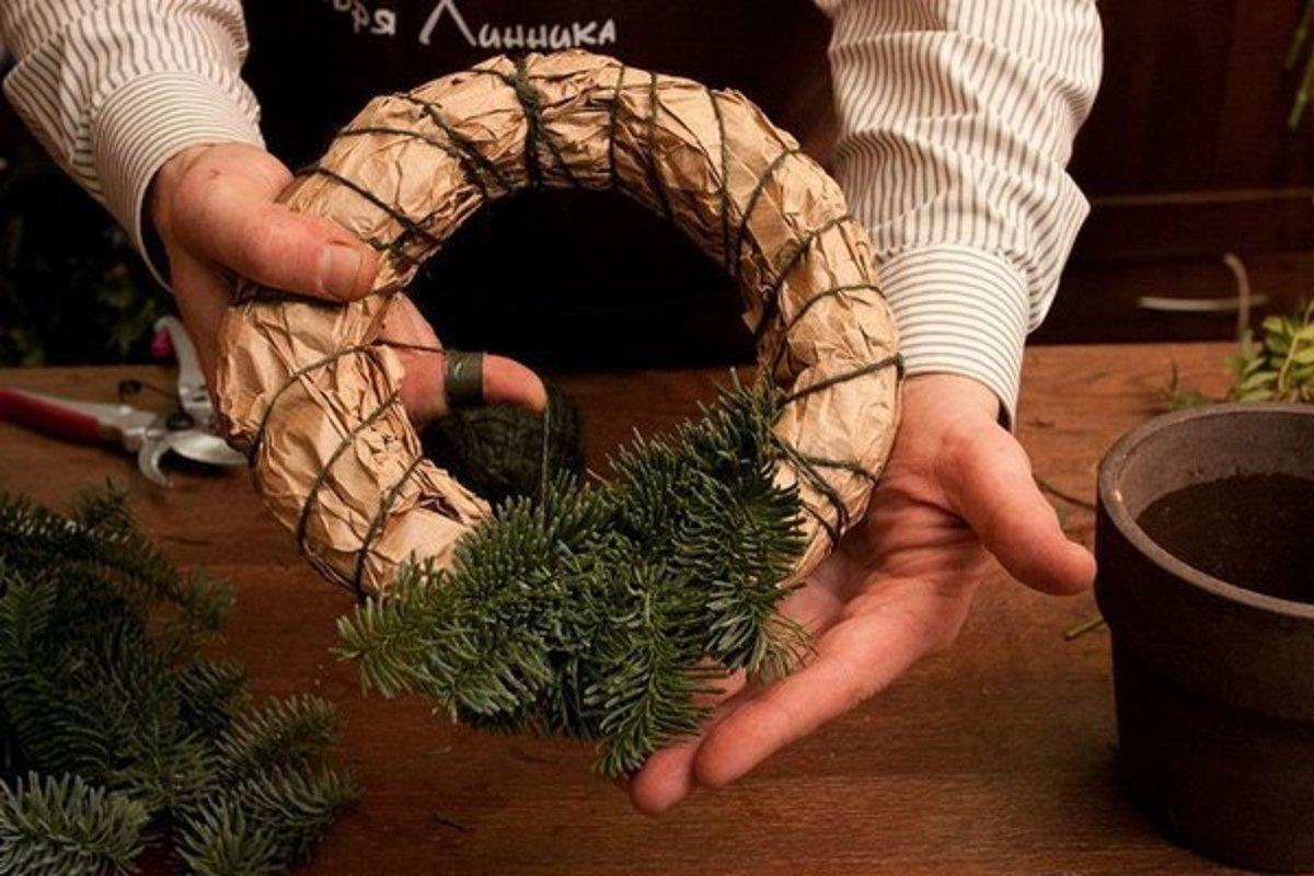 сделать новогодний венок +своими руками