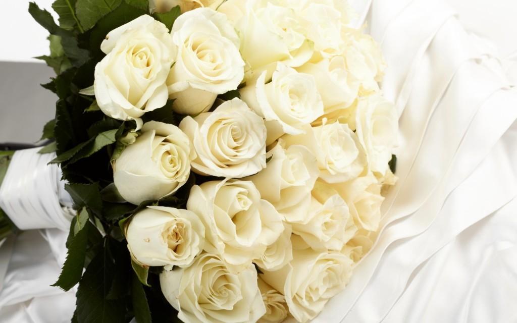 букет невесты +из белых роз