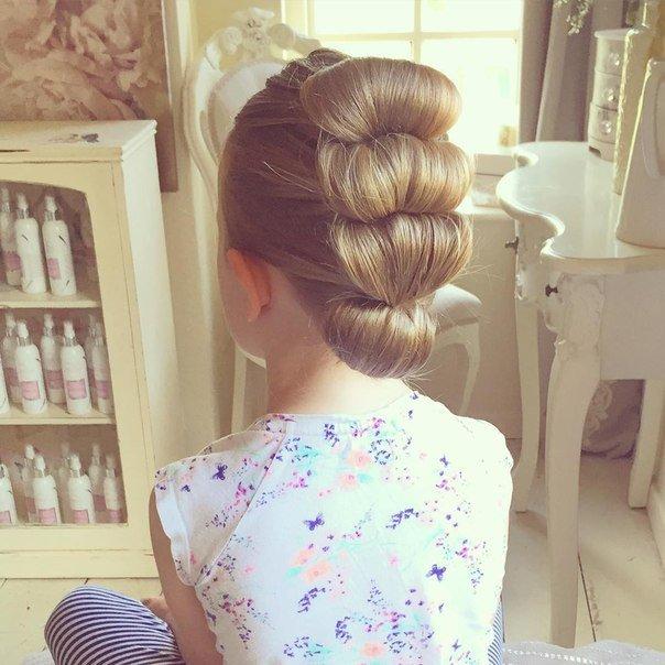 прически девочкам в школу длинные волосы